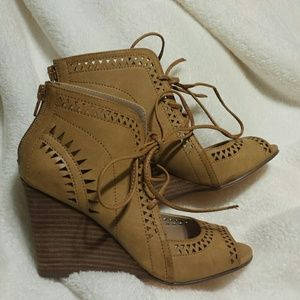 New 6.5 Restricted wedge shoes sandals